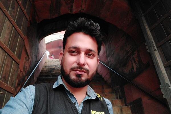 Picture for Kolkata Photographer Neel trains his lenses on four city models