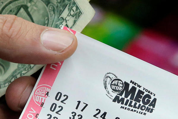 Picture for Winning ticket for $432 million Mega Millions jackpot sold at New York City pizza shop