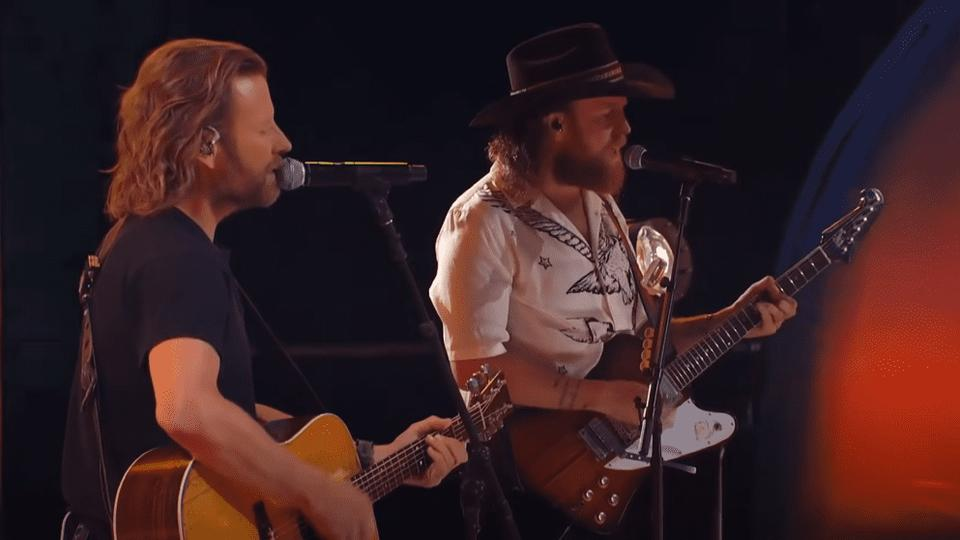 """Picture for Dierks Bentley Joins Brothers Osborne For Rocking Performance of """"Lighten Up"""""""