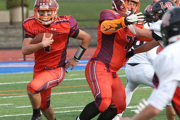 Picture for FOOTBALL: Penn Yan/Dundee falls short against Le Roy in regular season finale