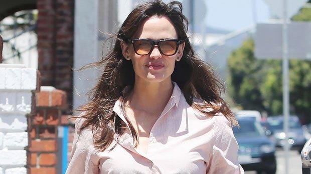 Picture for Jennifer Garner Runs Errands In Pink Button Down & Jeans As Ex Ben Affleck Yachts In Europe With J.Lo