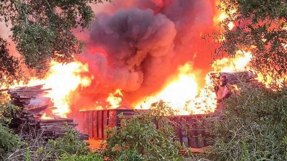 Picture for Railroad tie fire still burning in Alabama despite storm