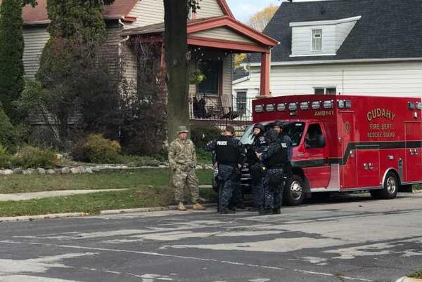 Picture for Suspect in custody after threatening to shoot mother, officers: Cudahy police