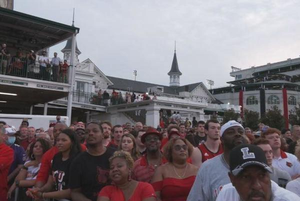 Picture for Churchill Downs hosts night of basketball and horse racing