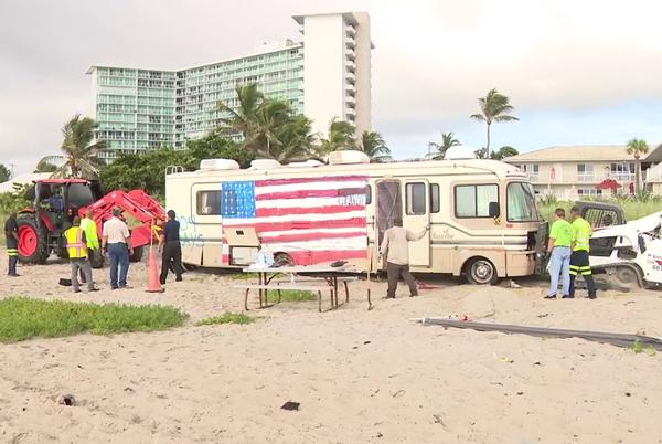 Picture for RV parked on Deerfield Beach for 2+ years removed by city