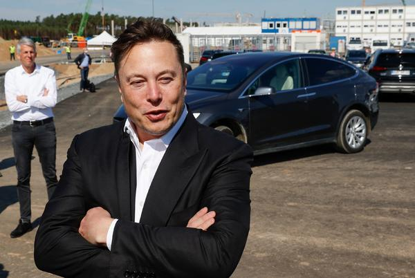 Picture for Tesla reports more than $1 billion in net income during Q2, up tenfold from a year ago