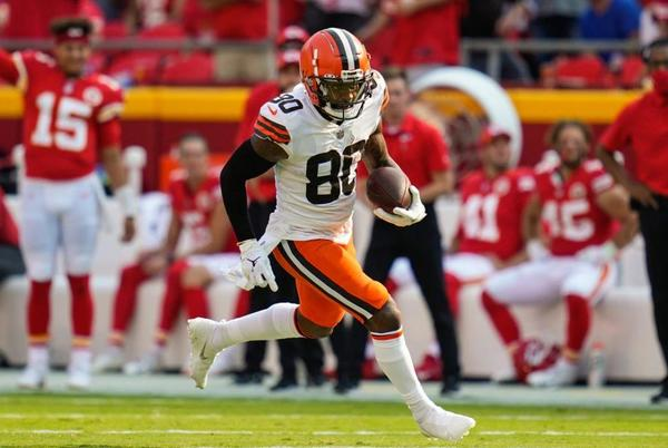 Picture for Cleveland Browns activate receiver Jarvis Landry for Thursday night