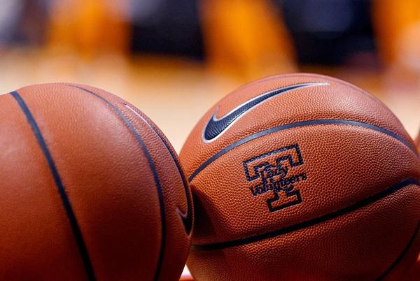 Picture for Lindy's picks Lady Vols At No. 19 In Preseason Poll