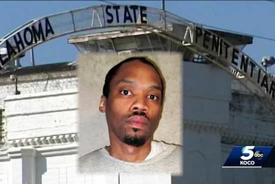 Picture for Group rallies in support of Julius Jones after clemency hearing was rescheduled