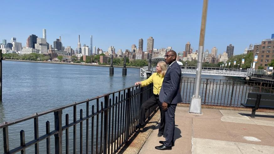 Picture for Rep. Carolyn Maloney and Queens Borough President Donovan Richards Cross-Endorse