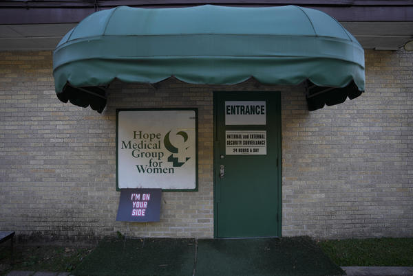 Picture for Louisiana Abortion Clinic Says 60 Percent of Clients are From Texas Since New Law Started
