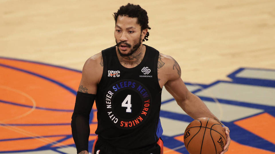 Picture for Former MVP Derrick Rose reportedly interested in returning to Bulls