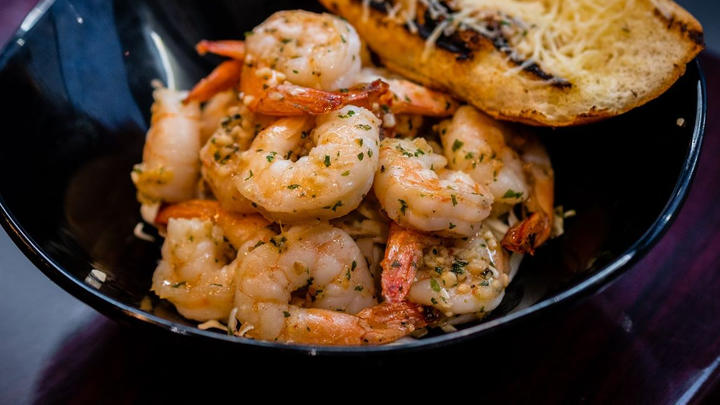 Cover for Where to try great seafood in Kissimmee