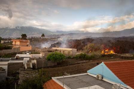 Picture for Lava rivers continue to devastate La Palma as it prepares for acid rain