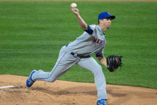 Picture for Mets' meltdown vs. Phillies spoils Jacob deGrom's gem and Francisco Lindor's debut