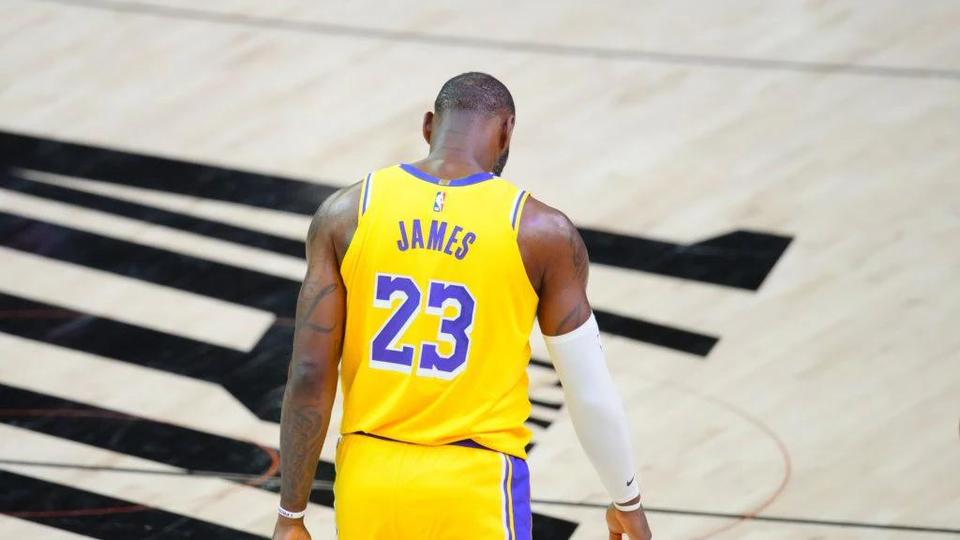 Picture for Los Angeles Lakers rumors, top trade & free-agent targets for 2021 NBA offseason
