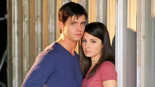 Roswell, New Mexico' Reunites Jason Behr And Shiri Appleby, The Original Max  And Liz | News Break