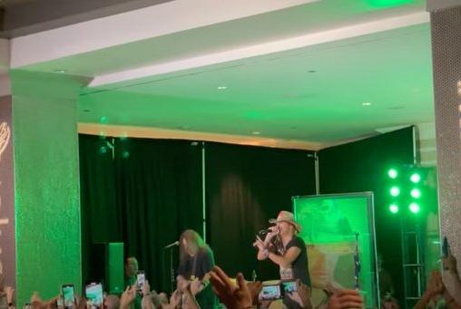 Picture for Watch BRET MICHAELS Perform POISON Classics At Orlando Hotel Lobby
