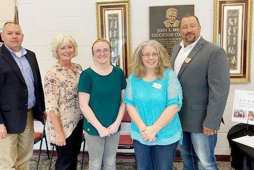 Picture for Twin Lakes Community Foundation helps build future for Izard County single parents