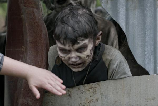 Picture for Watch: Hilarie Burton and Jeffrey Dean Morgan's Son Cameos on The Walking Dead