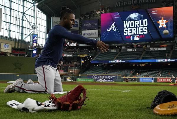 Picture for World Series Notebook: Albies looks up to fellow 2B Altuve