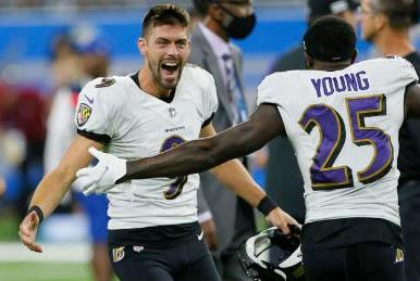 Picture for Baltimore Ravens' Justin Tucker sets NFL-record with monstrous 66-yard game-winning field goal