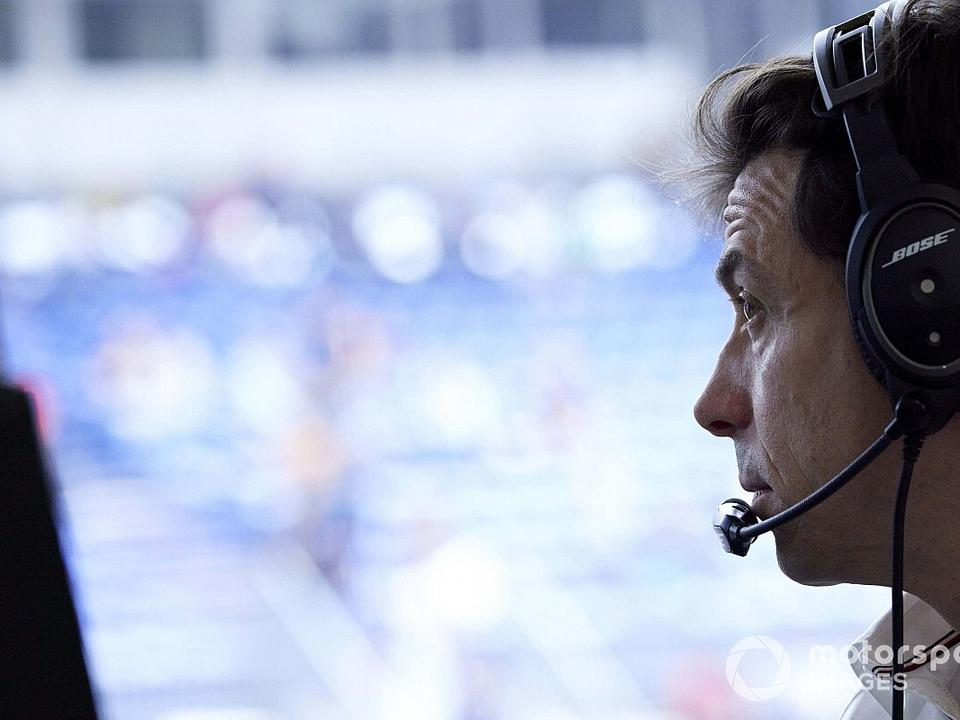 wolff-mercedes-form-unacceptable-in-f1-title-fight